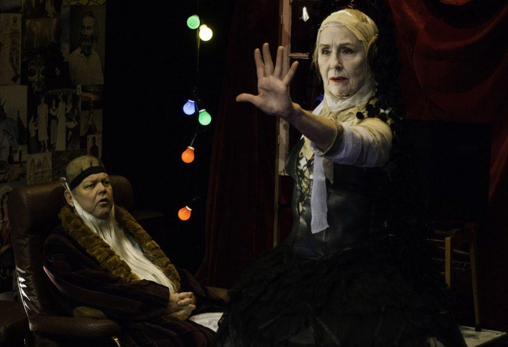 Teater Halland Gud i kulissen, örjan hamrin och Sonja Lund, foto Emanuel