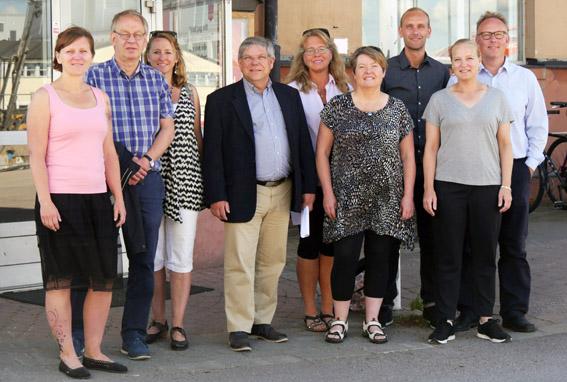 Jessica Rydell (MP), Bertil Dahl (V), Linda Fleetwood (V), Anders Andersson (C), Birgitta Axelsson Edström (ordförande Byteatern), Yvonne Hagberg (S), Daniel Rylander, Mia Carlsson (teaterchefer) och Johan Persson (S)